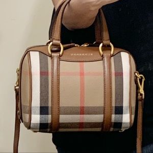 More Pictures Burberry Alchester Housecheck Bag